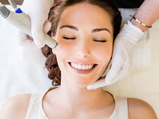 Hydrafacial : nouveau protocole révolutionnaire pour la peau du visage.
